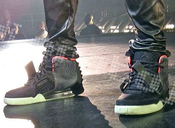 Nike Air Yeezy 2 Black/Pink - A Closer Look