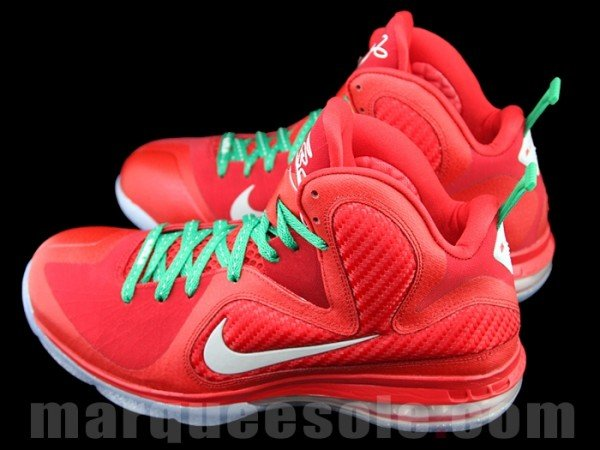 Nike LeBron 9 Christmas - New Images