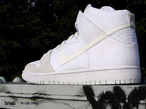 Nike SB Dunk High - White/Metallic Summit