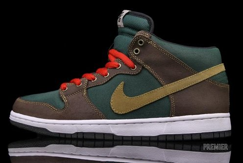 Nike SB Dunk Mid Noble Green/Metallic Gold - November 2011
