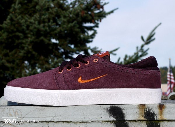 Nike SB Team Edition 2 'Virginia Tech Hokies' - April 2012