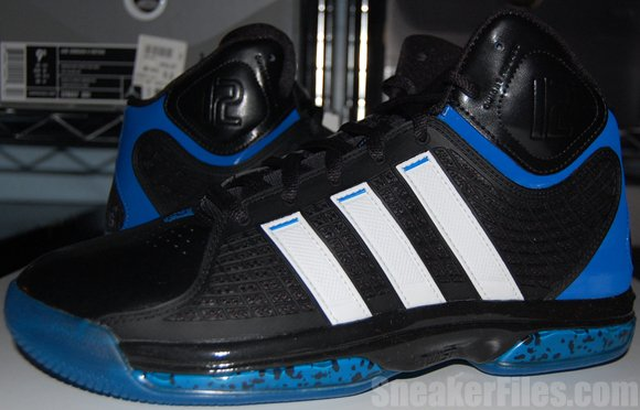 Video: adidas adiPower Howard Black/White/Blue