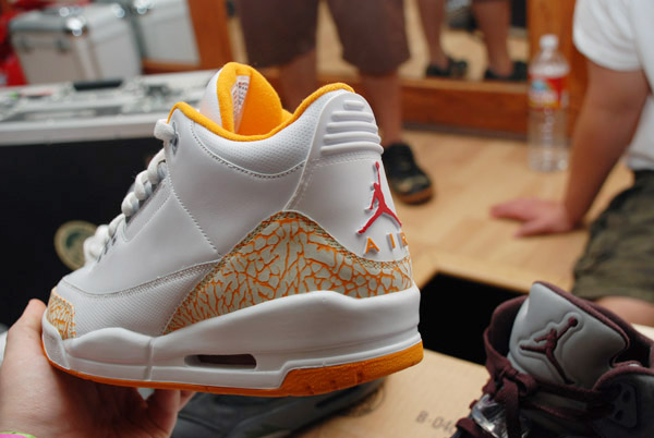 Air Jordan III (3) - White/Orange Sample