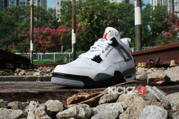 air-jordan-iv-4-tech-grey-11