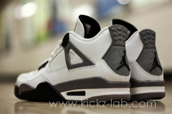 air-jordan-iv-4-tech-grey-2