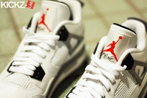 air-jordan-iv-4-tech-grey-4