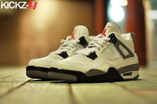 air-jordan-iv-4-tech-grey-6