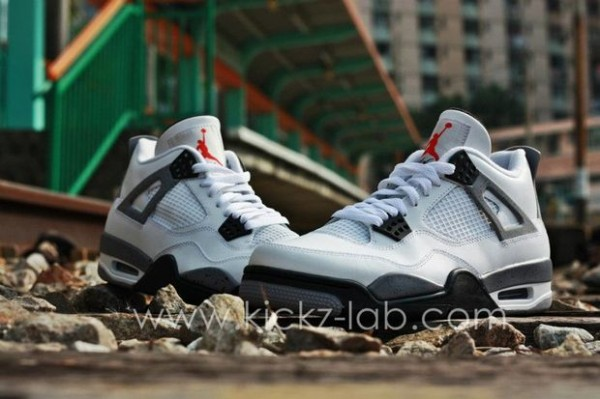 air-jordan-iv-4-tech-grey-8