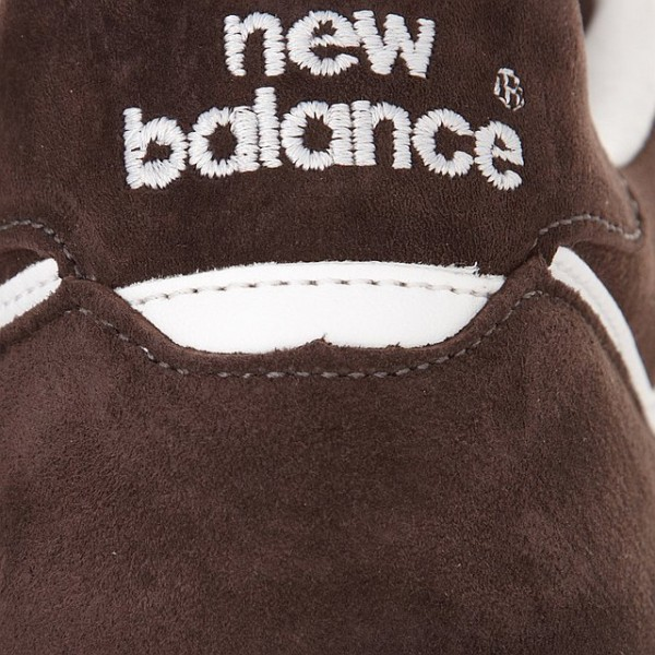 new-balance-m576bcl-made-in-england-holiday-2011-now-available-4
