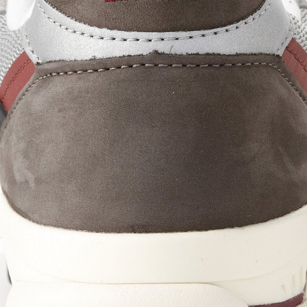 new-balance-m998gb-holiday-2011-now-available-3