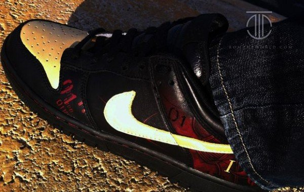 nike-dunk-low-samurai-custom-by-rom-2
