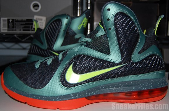 Nike LeBron 9 Cannon Video