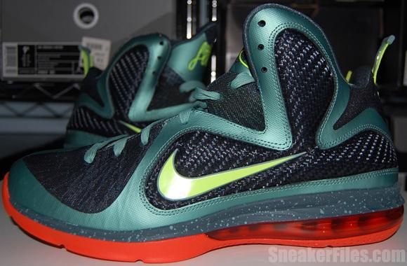 Nike LeBron 9 Cannon Video