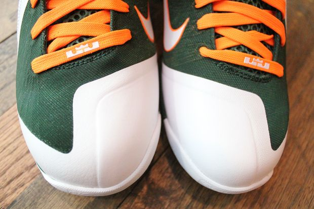 nike-lebron-9-university-of-miami-new-images-3