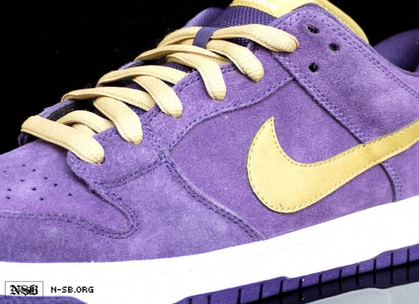 nike-sb-dunk-low-crown-royal-dunk-1