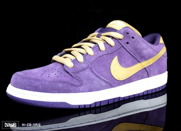 nike-sb-dunk-low-crown-royal-dunk-2