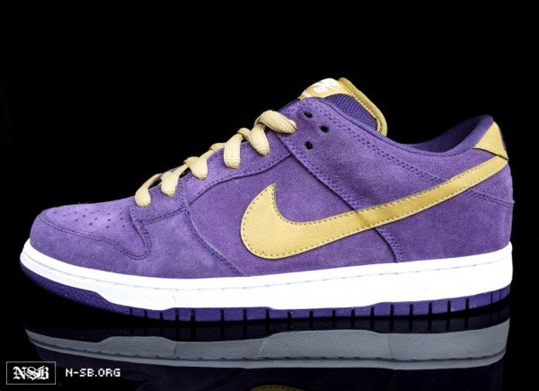 nike-sb-dunk-low-crown-royal-dunk-3