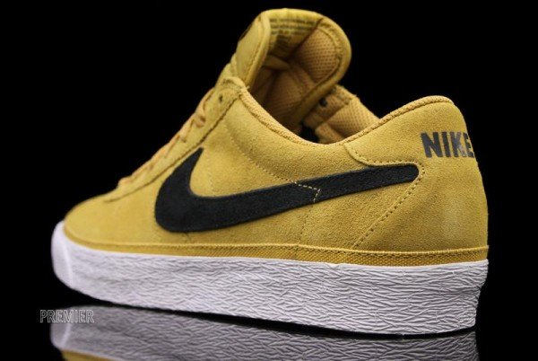 nike-sb-zoom-bruin-golden-straw-now-available-4