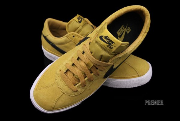 nike-sb-zoom-bruin-golden-straw-now-available-5