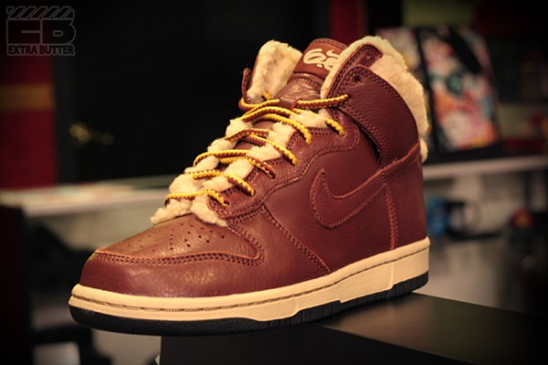 nike-womens-dunk-hi-6.0-premium-sherpa-now-available-2