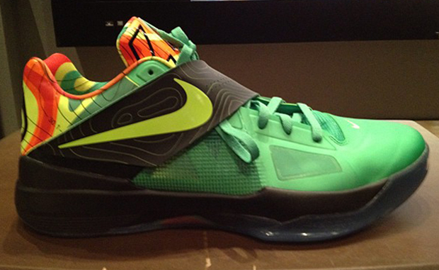 nike-zoom-kd-iv-weatherman-1