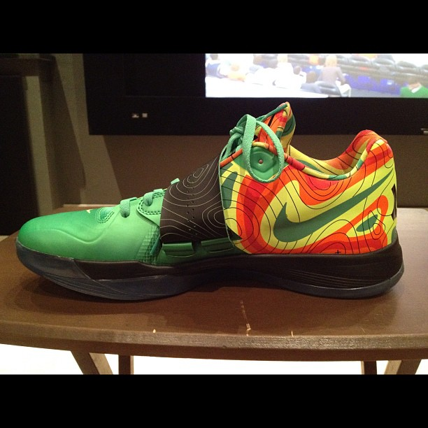 nike-zoom-kd-iv-weatherman-2