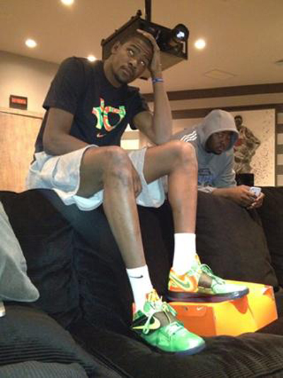nike-zoom-kd-iv-weatherman-4