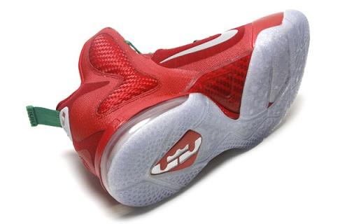"Nike LeBron 9 ""Christmas"" - Another Look"