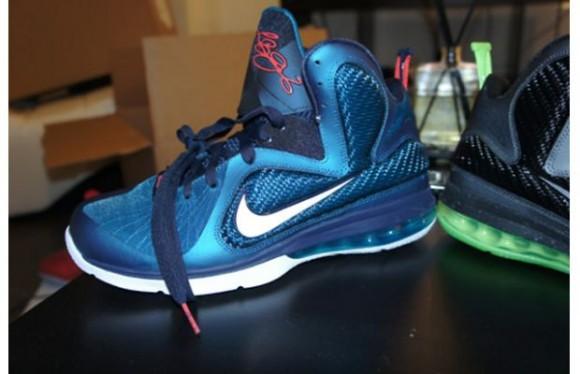 Nike-LeBron-9-'Griffey'-2