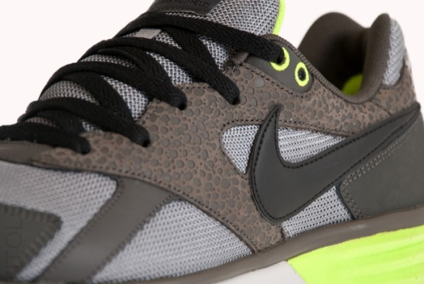 Nike Lunar Pantheon - Volt/Light Charcoal - Now Available