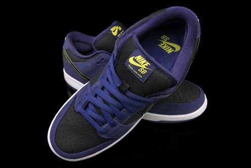 Nike SB Dunk Low - Midnight Navy/Black-Varsity Maize