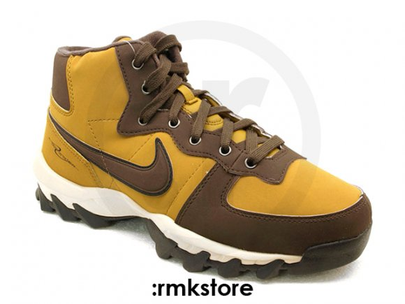 Nike Winter Trekker Mid 'Golden Hops' - December 2011