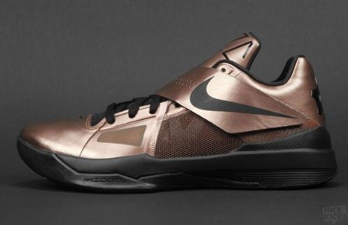 "Nike Zoom KD IV ""Christmas"" - More Images"