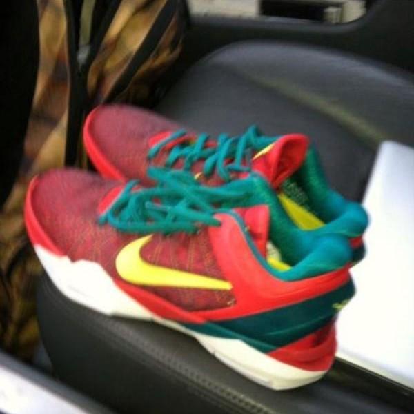 Nike Zoom Kobe VII (7) Christmas Day - First Look