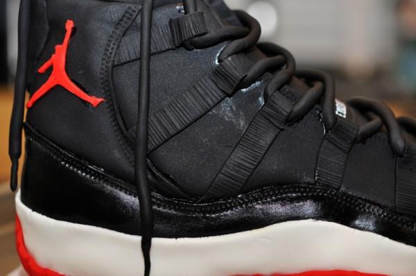 air-jordan-11-retro-black-red-grooms-cake-3