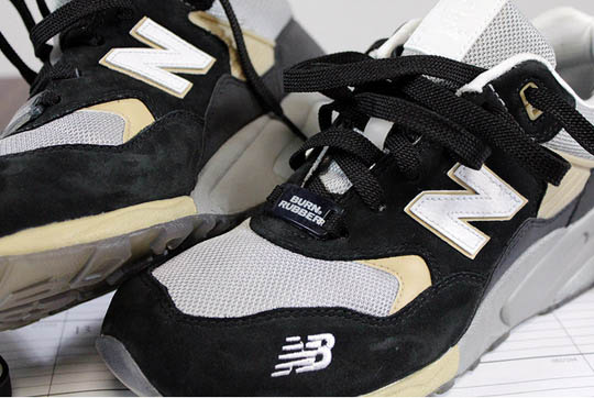 burn-rubber-new-balance-580-workforce-pack-2