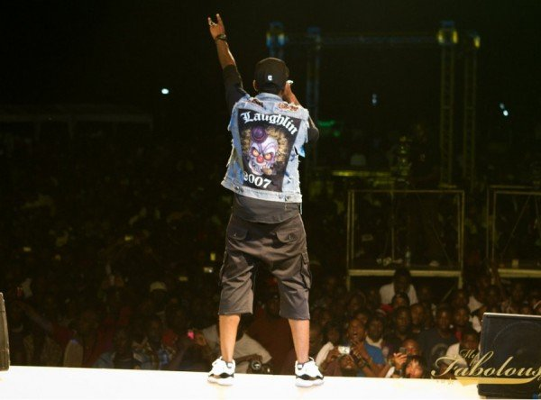Celebrity Sneaker Watch: Fabolous Performs in Air Jordan Retro 11 Concord