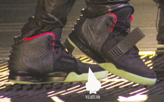 Nike Air Yeezy 2 Black/Pink New Images