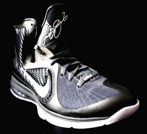 nike-lebron-9-cool-grey-1