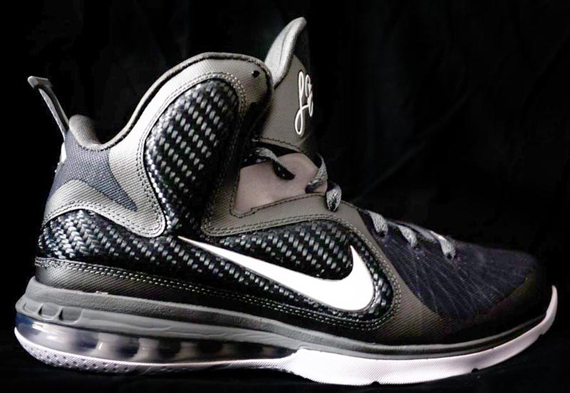nike-lebron-9-cool-grey-2
