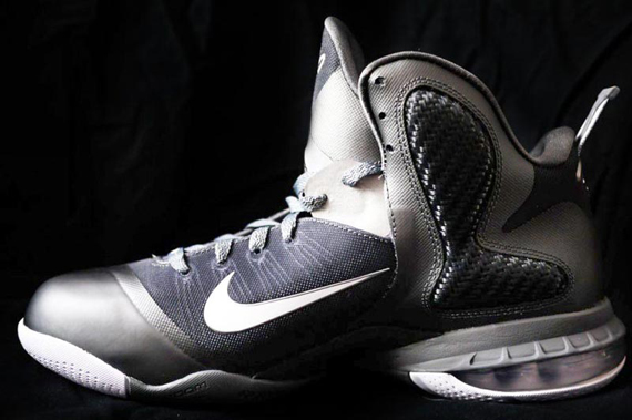 nike-lebron-9-cool-grey-3