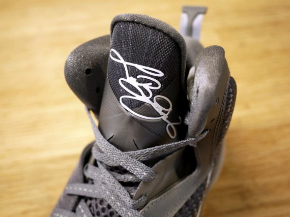 nike-lebron-9-cool-grey-new-images-1