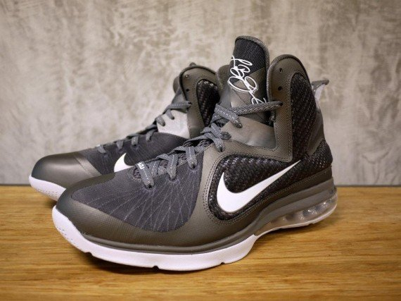 nike-lebron-9-cool-grey-new-images-2