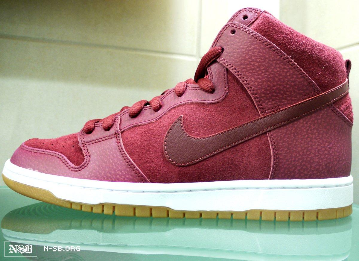info pour d0fb4 b4cfe Nike SB Dunk High 'Burgundy Safari' - Fall 2012 | SneakerFiles