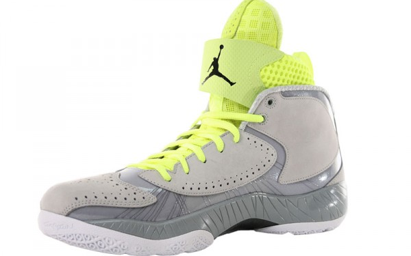 Air-Jordan-2012-Wolf-Grey-Black-Silver-Ice-White-Available-Now-2