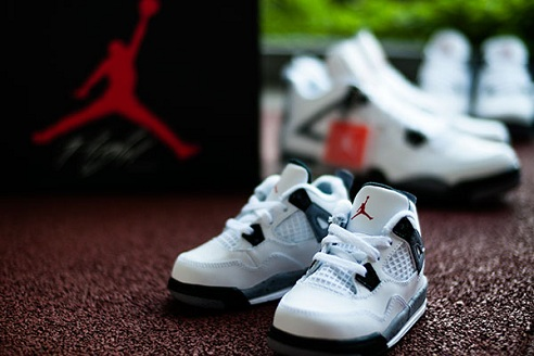 "Air Jordan Retro IV ""White Cement"" - Full Size Run Photos"