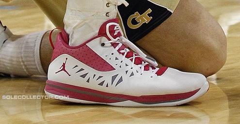 Jordan CP3.V - Coaches vs. Cancer PE
