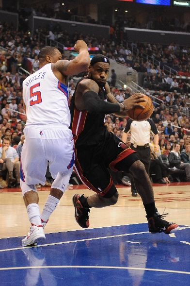 LeBron James Wear Nike LeBron 9 PE in OT Loss to LAC