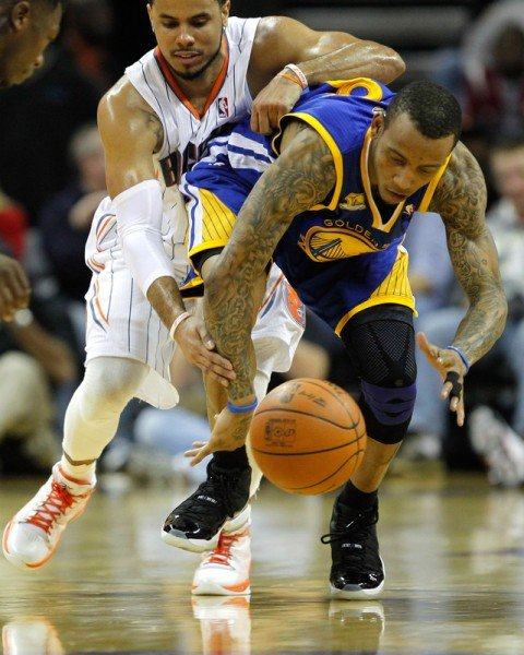 Monta Ellis Wears Air Jordan XI (11) 'Space Jam' vs