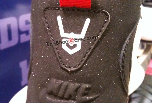 Nike Air Diamond Turf 2 Arrives in Stores